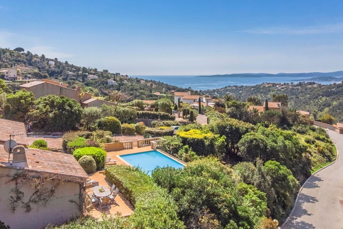 Villa met zeezicht en zwembad te huur Les Issambres
