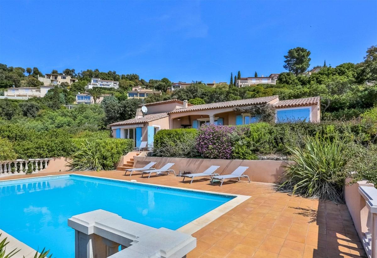 villa met zwembad in Les Issambres - espritdusud