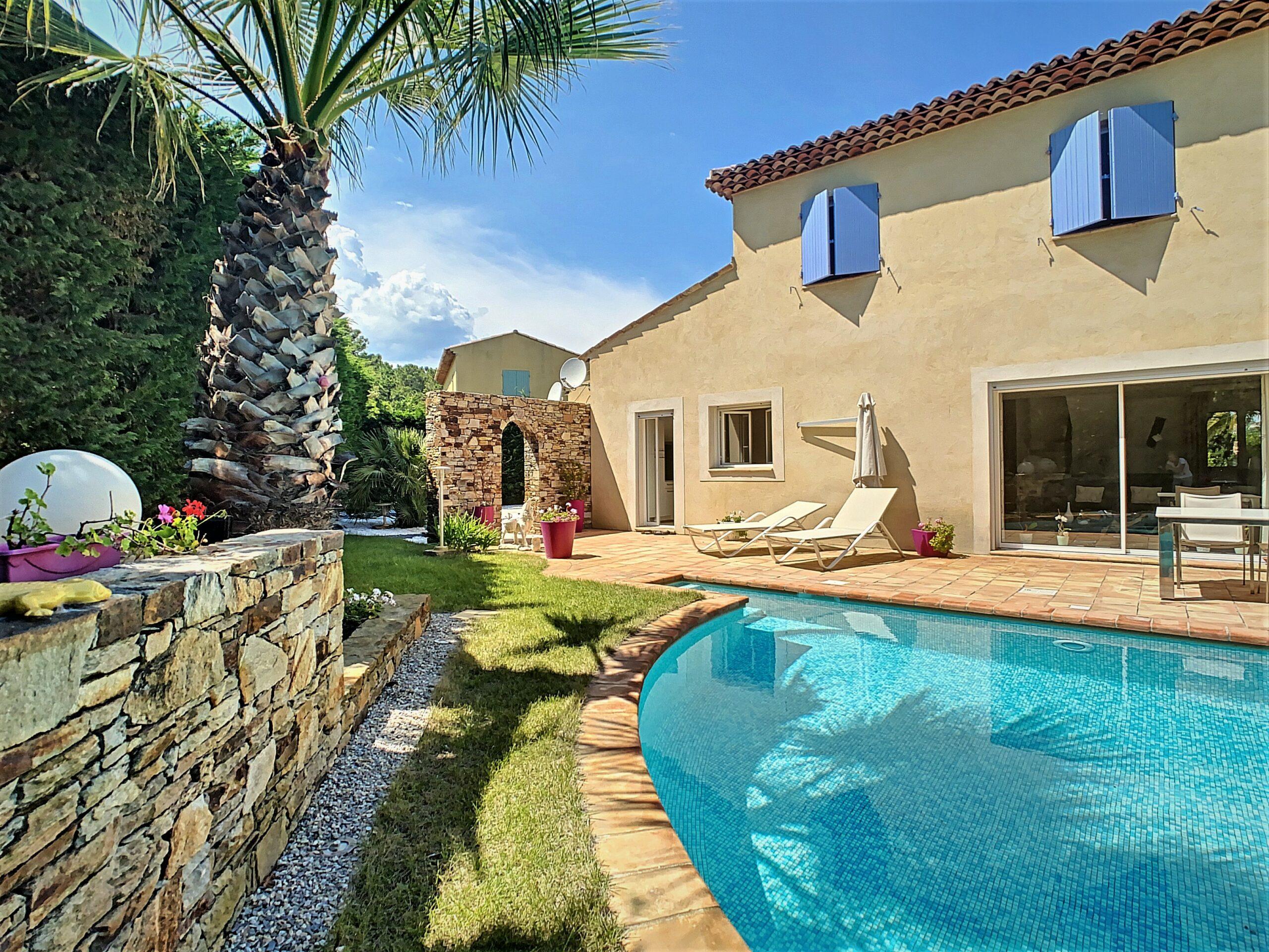 Villa met zwembad in La Nartelle - espritdusud